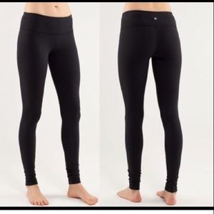 Lululemon Wunder under tights
